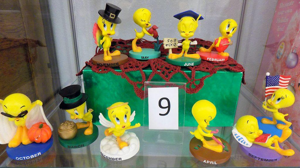 Set of 10 collectible Tweety bird figures.