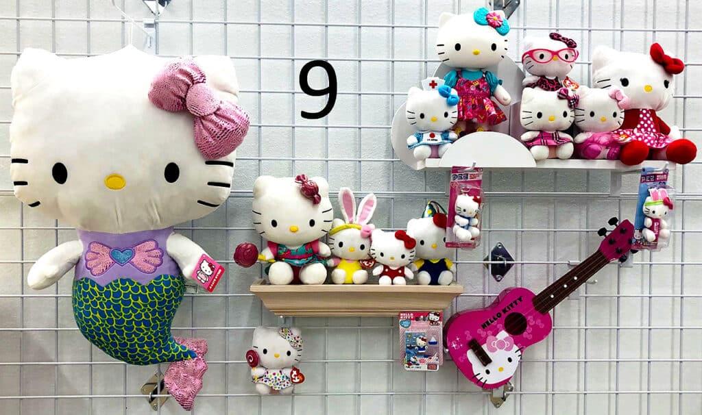 Hello Kitty set.